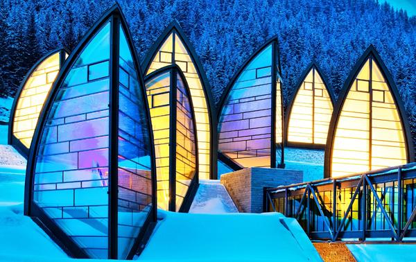 Архитектор Марио Ботта.  Спа-центр «Tschuggen Bergoase»